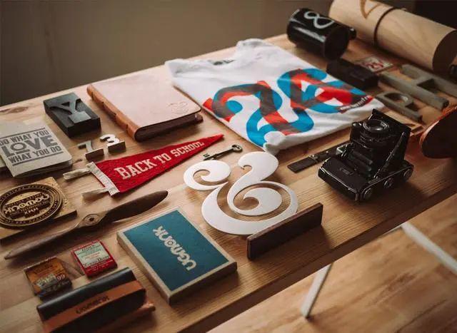 企业在设计商标时应该遵循哪些原则?